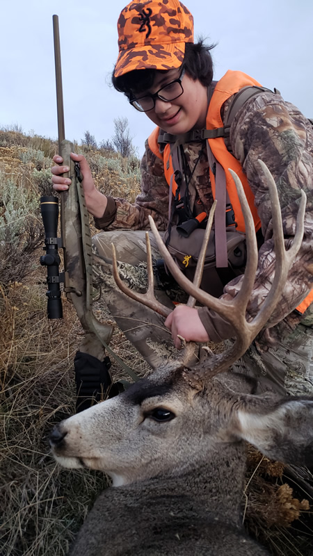 Kaden with his 3x4 mule deer.